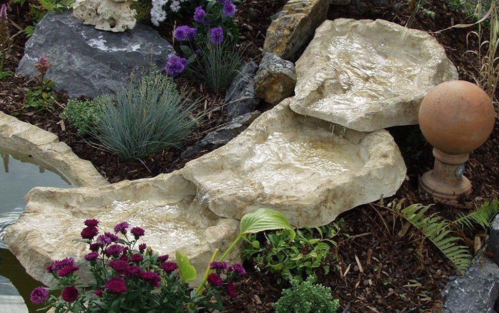 cascada realista estanque jardin