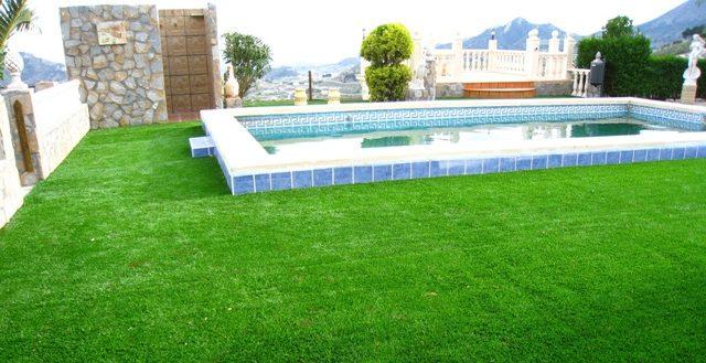 cesped artificial para piscinas barato