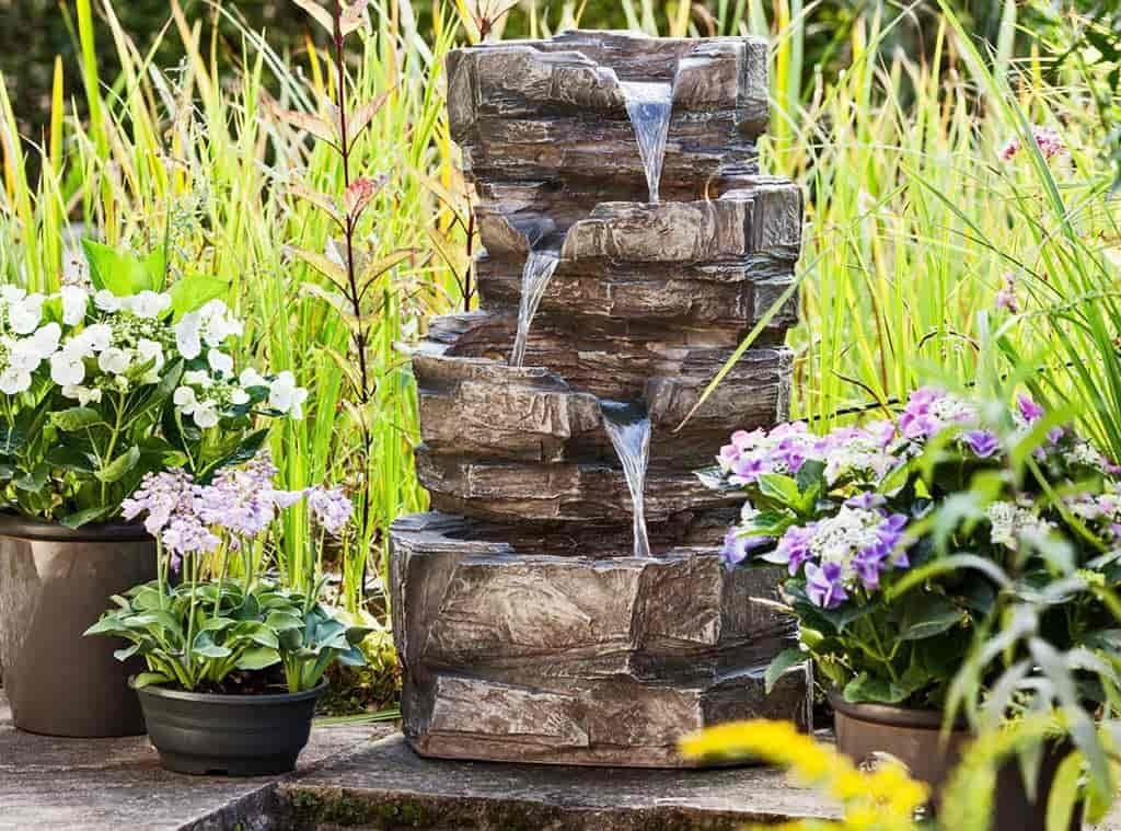 fuente de jardin